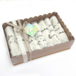 http://tipoloo.com/1038-thickbox_kp/coffret-7-bavoirs-rigolos.jpg