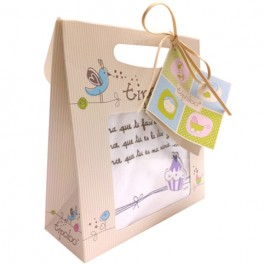 http://tipoloo.com/623-thickbox_kp/coffret-bavoir-mamie-je-t-aime.jpg