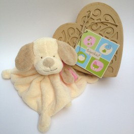 http://tipoloo.com/857-thickbox_kp/doudou-chien-boite-coeur-rose.jpg